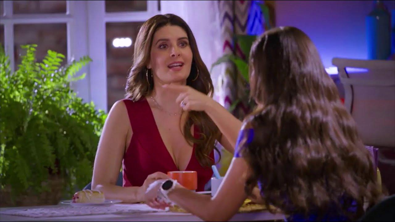 Mayrín Villanueva en
