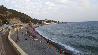 Широкая Балка в бархатный сезон. Море, пляж, развлечения.