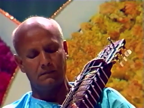Sri Chinmoy's first Peace Concert in Cologne 1984
