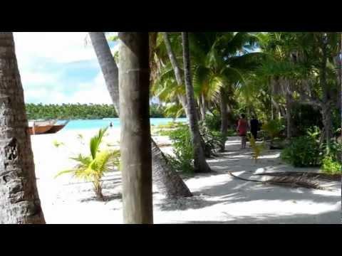 One Foot Island (Tapuaetai) in the lagoon of Aitutaki, Cook Islands (June 2, 2011)