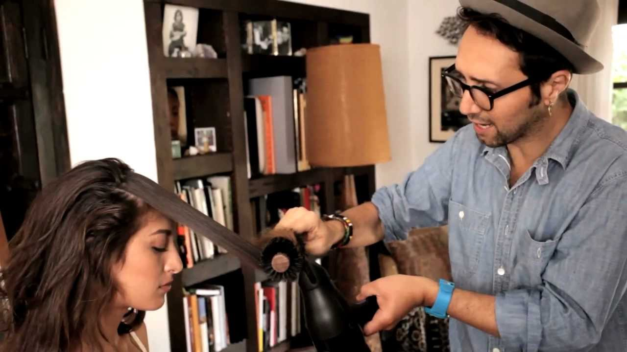 Mila kunis 39 s fekkai hairstylist adir abergel shows ho for Adir abergel salon