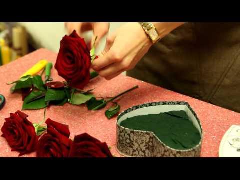 Цветы в коробке. Сердце (упаковка цветов) Oasis