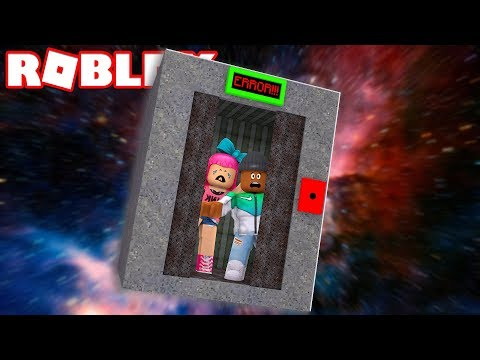 SURVIVE A ROBLOX ELEVATOR FALLING THROUGH SPACE!!