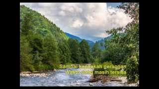 Ebiet G Ade -- Masih Ada Waktu (Lyrics on Screen) Mp3