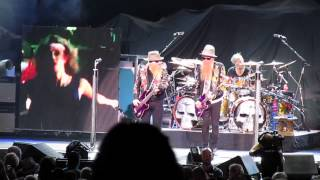 Download ZZ Top part of  Sharp Dressed Man at St. Louis Kid Rocks Best Night Ever MP3 song and Music Video