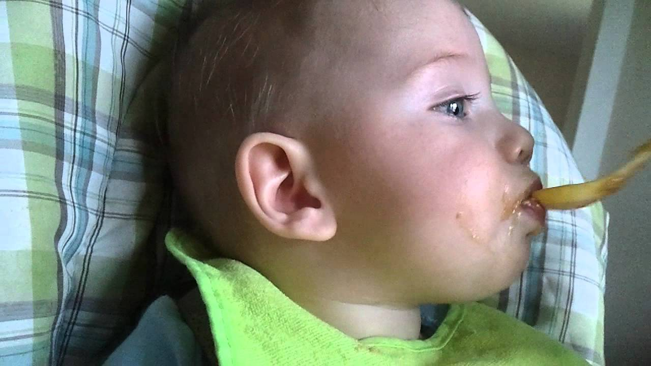 World's cutest baby sets eating world record, Almost eats ...