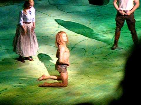 Clayton spricht mit Tarzan