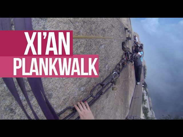 Two Girls Conquer The Most Terrifying Hiking Trail In The World