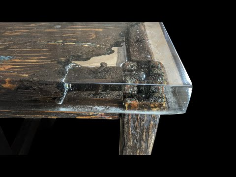 A stool from the inside. Anti-restoration.