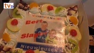 Taartuitreiking Verzameld Nieuws Nieuwleusen aan Bert Slager