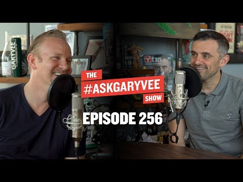 MORGAN SPURLOCK, PROFESSIONAL STORYTELLING AND MARKETING UNDERWEAR ON INSTAGRAM | ASKGARYVEE 256