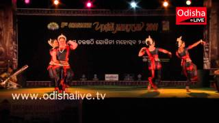 Odissi Dance - Mangala Charan - Guru Ratna Roy Group - Indian Classical Dance