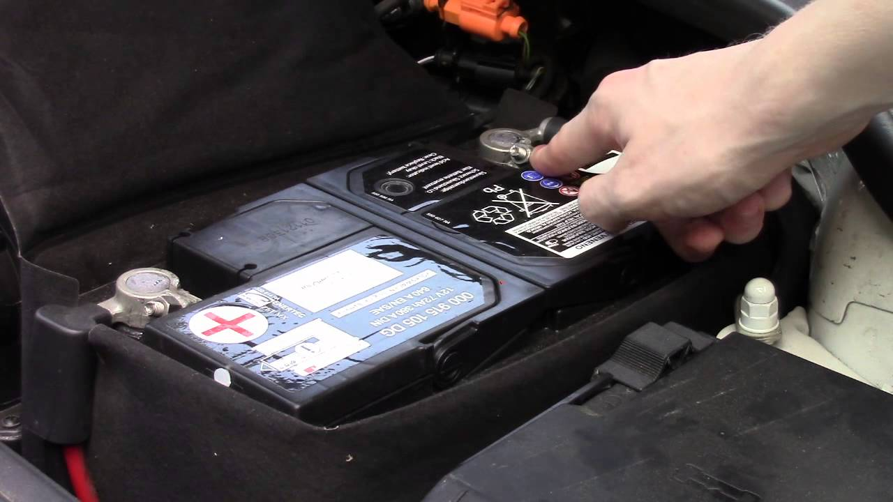 Start Stop An Engine When The Key Is Stuck In Ignition Youtube 2002 Vw Turbo Beetle Battery Fuse Box
