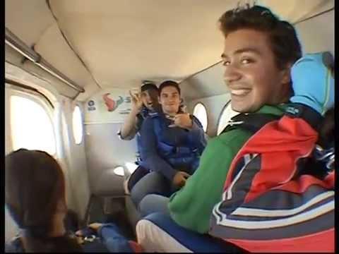 Alejandro Diaz y Victor Larco, Salto en Paracaidas...