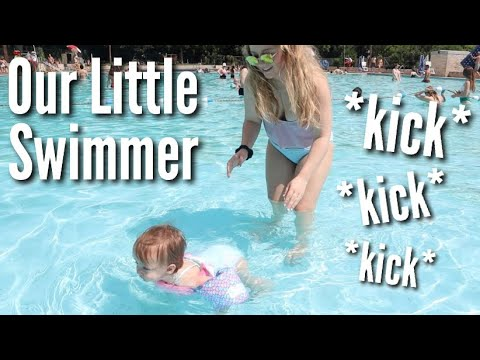 first-time-swimming-on-her-own!-*adorable*-|-teen-mom-vlog