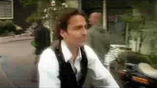 Alderliefste - La Vie Est Belle (Officiële video)