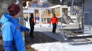 Mark Warner Holidays - How to use a chair lift