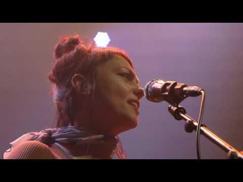 Angel Olsen - Hi-Five, Shut Up Kiss Me - Paris Gaité Lyrique 2016