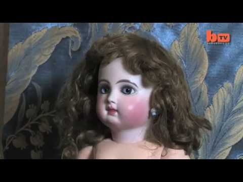 Enjoy Amazing Hobby – Story About Doll Collector