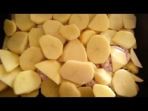 Картофель запеченный с мясом в духовке под сыром