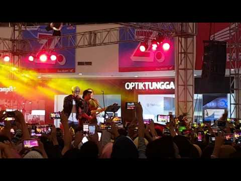 Rizky Febian - Shape of you at Lombok Epicentrum Mall