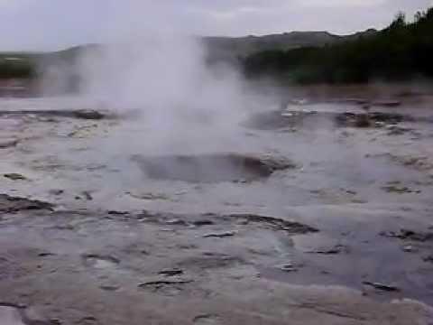 Géiser en acción, Islandia - YouTube