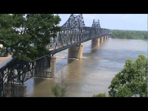 Mississippi River Threatens Vicksburg, MS And Casinos