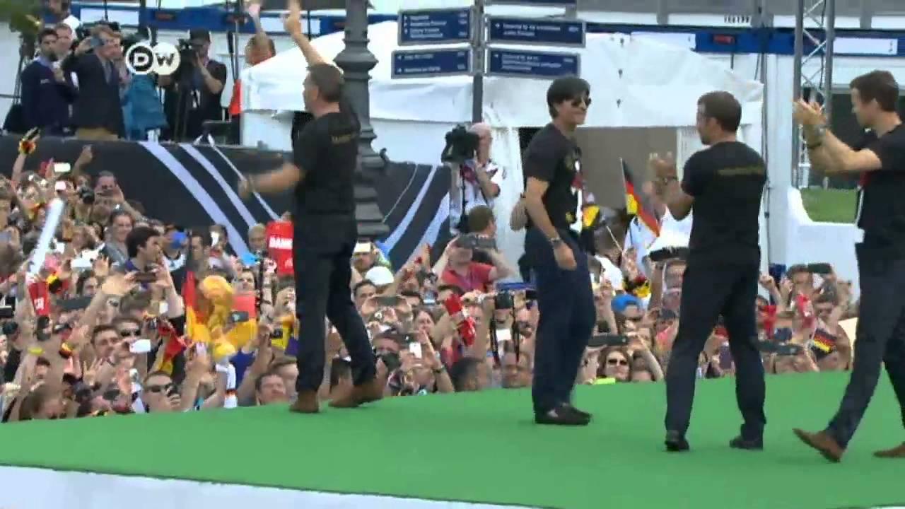 استقبال حاشد لمنتخب ألمانيا بطل العالم في برلين  | الجورنال