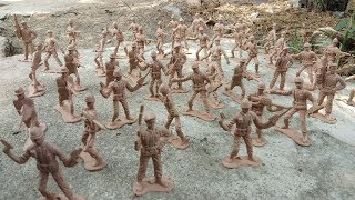 Vintage Toy Soldiers Plastic Military Army Men Gray & Green