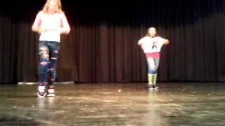 Tanzen *-*    Freestyle.. :D ich bin in der mitte