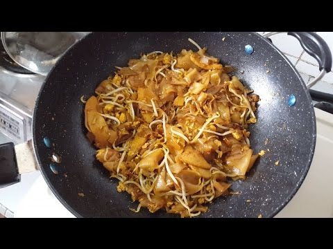 Fried Flat Rice Noodle (Char Kway Teow/炒粿条)