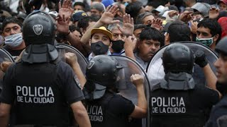 Andrang auf Maradonas Sarg führt zu Ausschreitungen in Buenos Aires