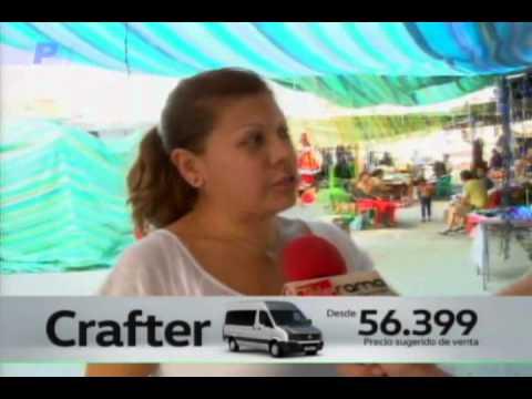 bde14b68afa Comerciantes aseguran bajas ventas de artículos navideños - YouTube