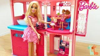 ジャンボ バービー人形で遊びました。バービーちゃんが大きく なってし...
