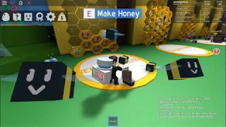 We're gathering pollen and making honey! -Bee Swarm-ROBLOX, Ep. 3
