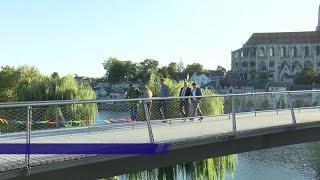 "Yvelines | Inauguration de ""la grande passerelle"" reliant Mantes-la-Jolie et Limay"