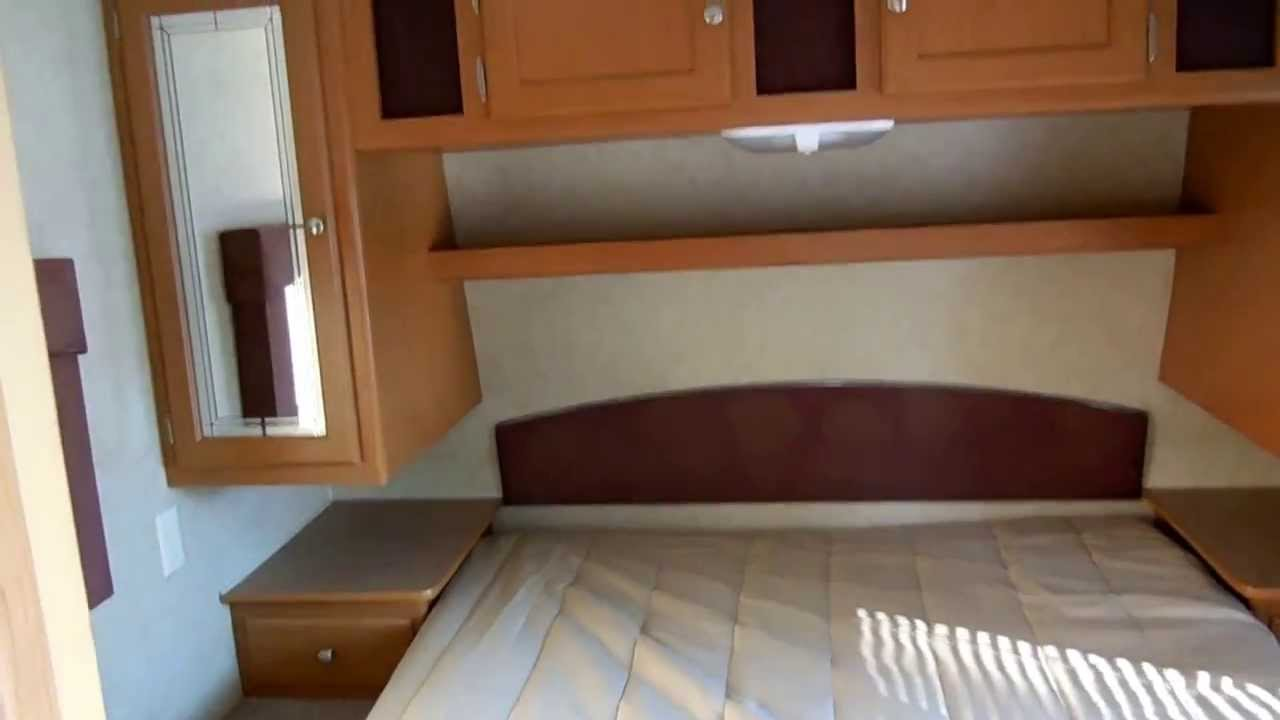 2006 dutchmen 31 b travel trailer with slide out two bedrooms quad