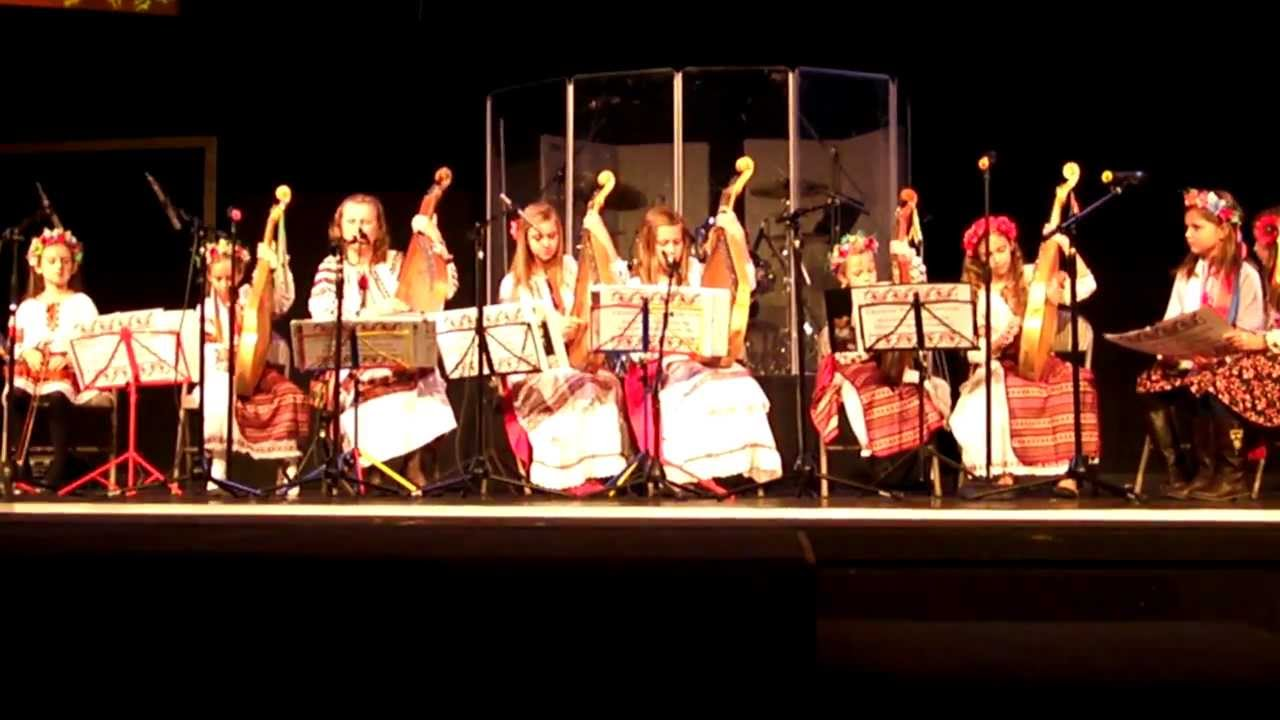 Ukrainian Christmas Carols Garland by Bandura Ensemble - YouTube