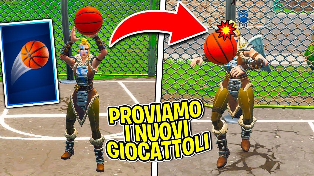 Fortnite ITA - PROVIAMO I GIOCATTOLI DI FORTNITE!!