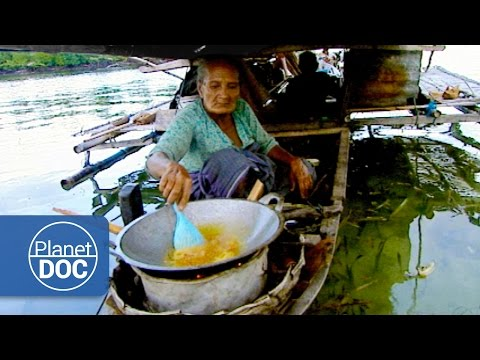 Indonesia. Floating Houses | Tribes & Ethnic Groups
