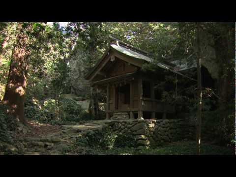 The sacred Island of Okinoshima 1/2(English)