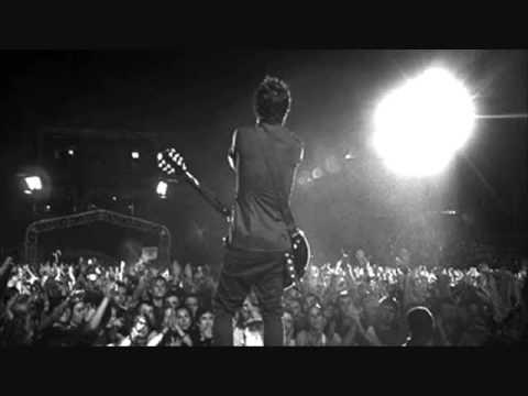 Green Day - fashion victim - lyrics.