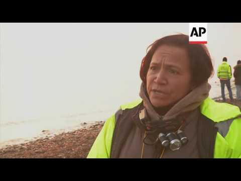 Migrants continue to land in Lesbos