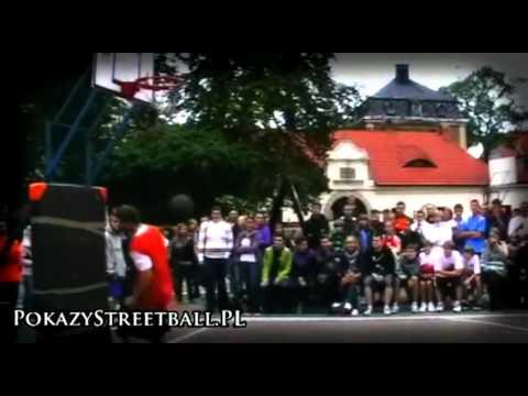 PokazyStreetball.pl - pokaz wsadów i freestyle Pszczyna Streetball 2010