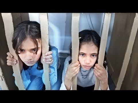 الشرطي دخلهم السجن !!!