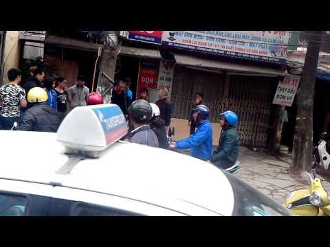 1 vụ ẩu đả ở phố trung kính - hn hôm 24 tết 2014