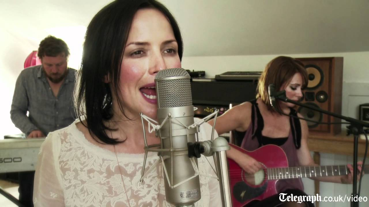 Andrea corr sings tinseltown in the rain youtube andrea corr sings tinseltown in the rain altavistaventures Choice Image