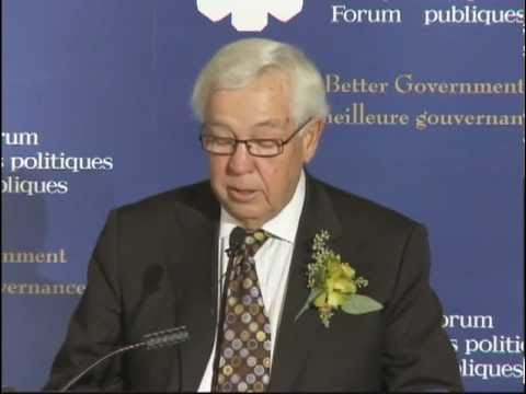 Clay Riddell accepts the Peter Lougheed Award for Public Policy Leadership