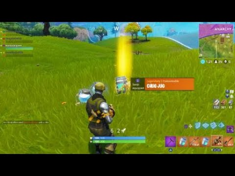 Fortnite nice surprise Glitch? Weapons and loot appear from nowhere lol