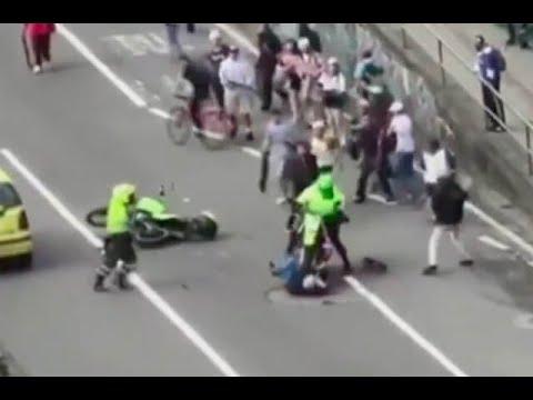 Policías que atropellaron a jóvenes skaters y golpearon a una mujer fueron suspendidos